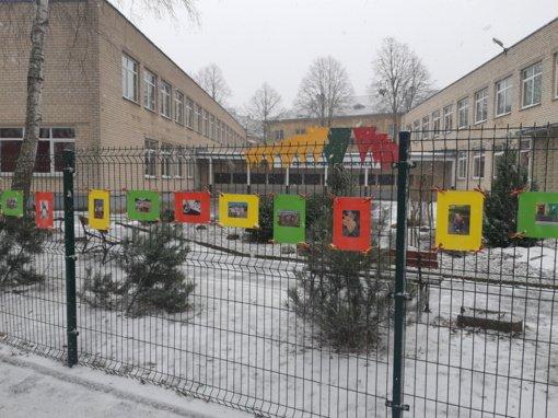 Centro pradinė mokykla kviečia į parodą kieme