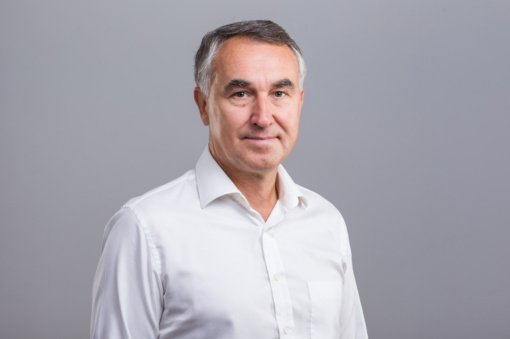Petro Auštrevičiaus komentaras: Masinė vakcinacija ir galios žaidimai