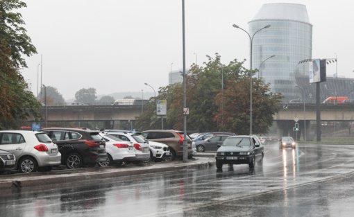 Rajoniniuose keliuose yra slidžių ruožų, naktį dar ir plikledis sunkins eismo sąlygas