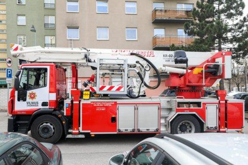 Vilniuje atvira liepsna degė balkonas