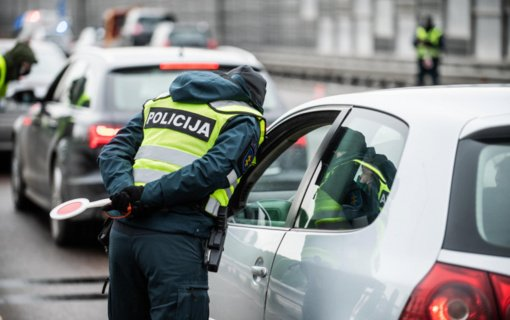 Per dvi dienas policija apgręžė 1,1 tūkst. automobilių, surašė per 80 protokolų