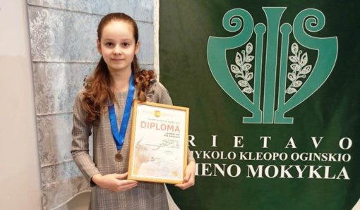 """Tarptautiniame konkurse """"Golden talents of Madrid 2021"""" – rietaviškės laimėjimas"""