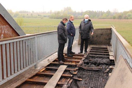 Vienas iš keturių Kėdainių tilto padegėjų nuteistas kalėti, kiti – lengvesnėmis bausmėmis