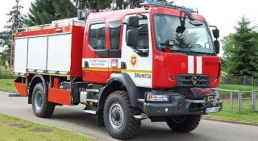 Ugniagesiai gesino gaisrus, teikė pagalbą