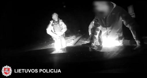 Nubaustas policijos automobilį taranavęs Šalčininkų rajono gyventojas (vaizdo įrašas)