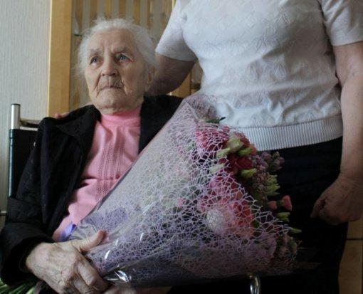 Pasveikinta šimtametė Jagėlonių gyventoja