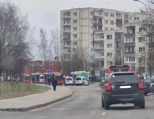 Vilniuje girta moteris pasiėmė iš darželio dukrą ir sukėlė avariją: vaikas atsidūrė ligoninėje