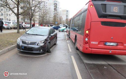 Praėjusi para keliuose: prie vairo neblaivūs ir moteris, ir vyras
