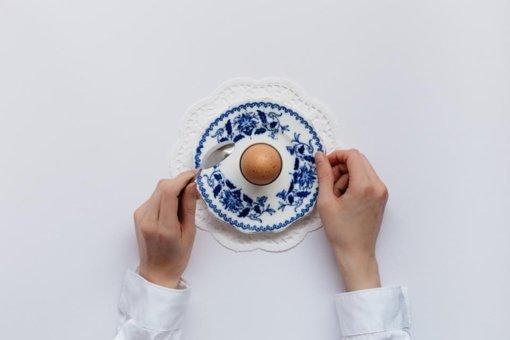 Artėjant Velykoms dietistės patarimai, kaip nepersivalgyti ir kokius patiekalus ruošti šventiniam stalui