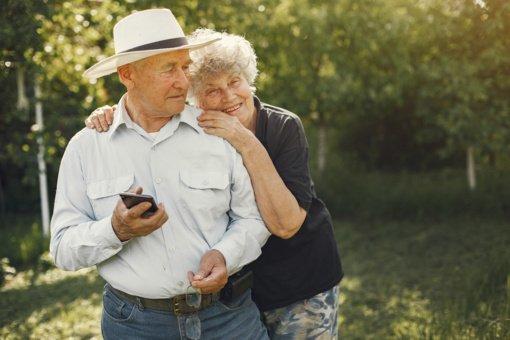 Garbaus amžiaus gyventojai asmens dokumentus galės keisti rečiau