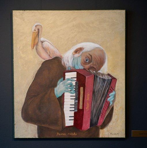 Laiptų galerijoje – Raimondo Navakausko tapyba: dailininkas sugrįžo po 27-erių metų