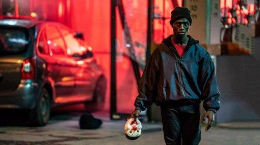 """Kino pavasaris. Filmo apžvalga: """"Berlynas. Aleksandro aikštė"""" (2020)"""