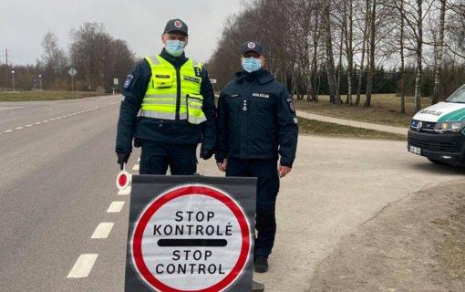 Šventinį savaitgalį Utenos regione – 61 karantino reikalavimų pažeidimas, girtas vairuotojas nestojo patikros punkte