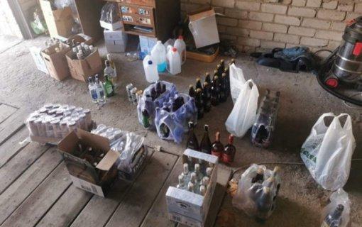 Raseiniuose sulaikytas alkoholiu nelegaliai prekiavęs taksi vairuotojas