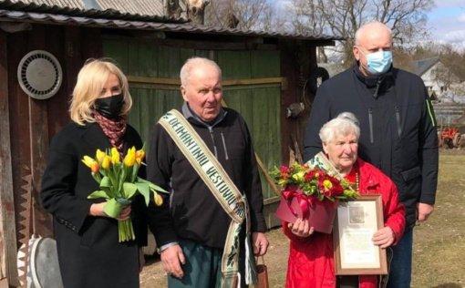 Kernaviškiai Ona ir Viktoras Ivanauskai šventė deimantines vestuves