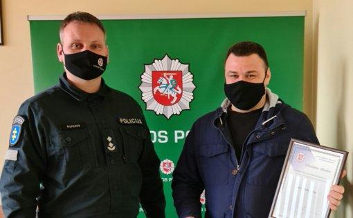 Policija padėkojo pilietiškam prieniškiui: padėjo sulaikyti neblaivų ir pavojingą vyrą