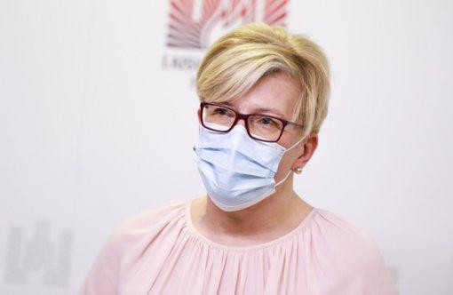 """Pagal vakcinavimą atsiliekančios savivaldybės """"eina teisinga linkme"""", sako I. Šimonytė"""