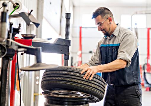 Paprastai ir aiškiai – kur dėti nebetinkamas naudoti automobilių padangas