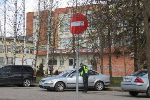 Eismo pokyčiai prie Joniškio ligoninės: pasikeitė įvažiavimo kryptis