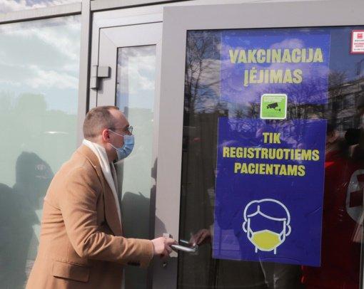 Ketvirtadienį šalyje vakcinuotas rekordinis skaičius žmonių – pirmąją dozę gavo per 24 tūkst. žmonių