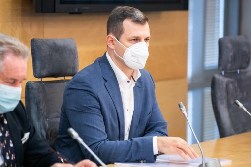 """G. Paluckas ragina Vyriausybę naikinti skiepijamųjų """"prioritetines grupes"""""""