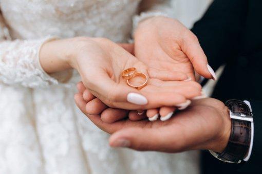 """Tėvas panoro susituokti su savo suaugusiu vaiku: santuoką tarp artimųjų vadina """"aukštesnio lygmens"""""""