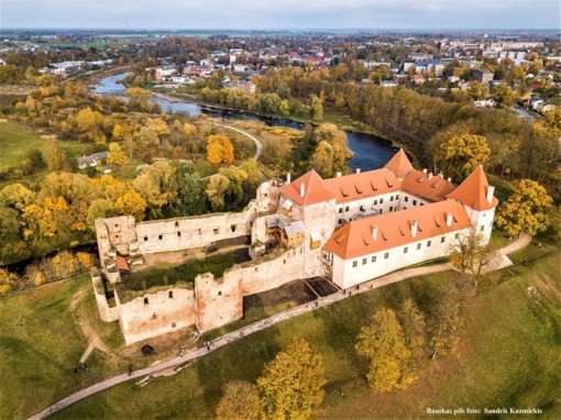 Raudondvario dvarą ir Bauskės pilį sujungs bendro projekto tiltas