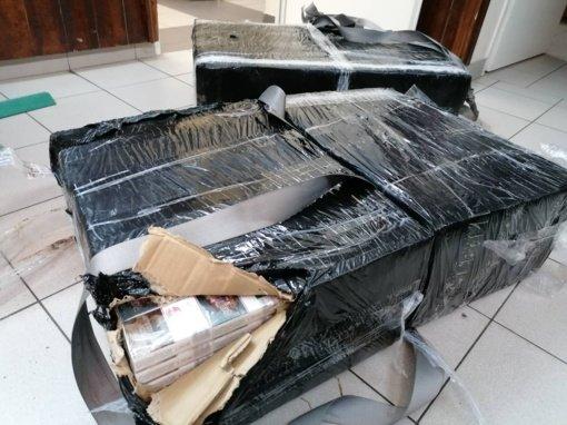Ignalinos rajone pasieniečiai sulaikė du cigarečių nešikus ir jų krovinį