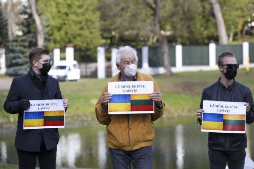 B. Nemcovo skvere įvyko akcija prieš Rusijos agresiją Ukrainoje