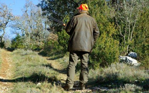 Jonavos rajone sulaikytas teisės medžioti neturintis vyras su neregistruotu ginklu