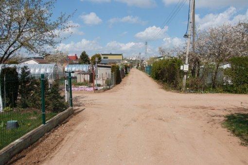 Seime – ginčai, ar savivalda turi perimti sodininkų kelius