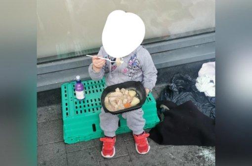 4-erių metų benamė mergaitė sukrėtė visuomenę: atėjo prašyti karšto maisto