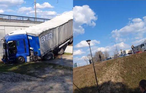 Kaune nuo kelio nuvažiavusio vilkiko vairuotojas ligoninėje mirė