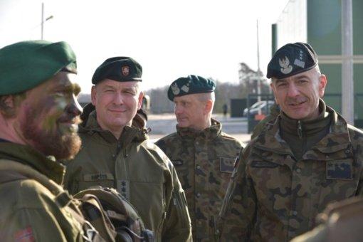 Lietuvos kariuomenės vadas V. Rupšys vyksta į Lenkiją