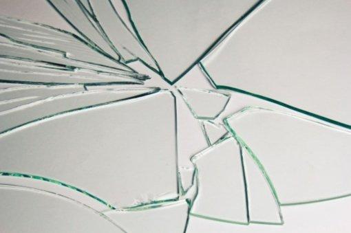 Neblaivių marijampoliečių konfliktas: vyro pastumta moteris susižalojo stiklo šukėmis