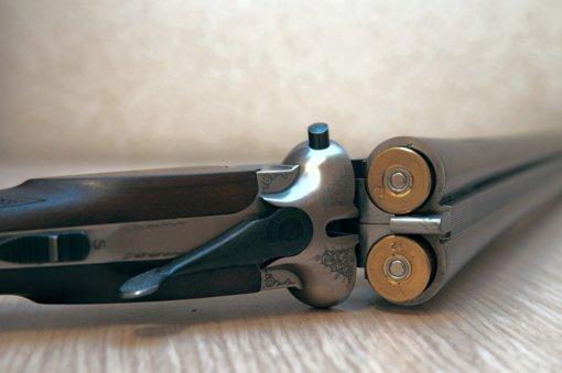 Netikėtas radinys Prienų rajone: sienoje – medžioklinis šautuvas