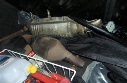 Šiauliuose sulaikyti trys katalizatorių vagystėmis kaltinami vyrai