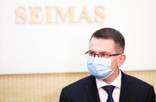 Sveikatos apsaugos ministras kreipėsi į imunitetą turinčius asmenis: neikite per raudoną šviesą