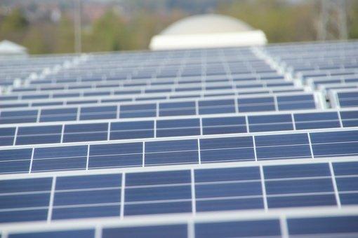 Lentvario Motiejaus Šimelionio gimnazijoje įrengta saulės elektrinė