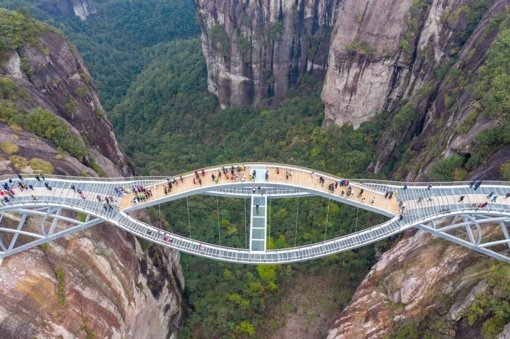 Žmonės stebisi:  tai tikras tiltas ar  fotomontažas?