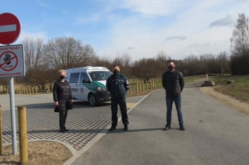 Joniškio policijos pareigūnai tikrins, kaip užtikrinamos koronaviruso plitimo prevencijos priemonės