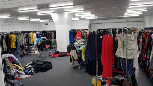 Kėdainių policija pradėjo ikiteisminį tyrimą dėl galimai vogtų dėvėtų rūbų