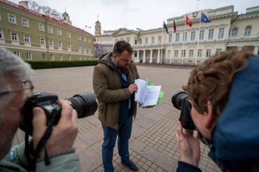 """Seimo komitetas siūlo pradėti derybas dėl """"Belorus"""" perėmimo"""