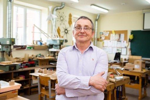 """Smilgių gimnazijos darbų mokytojas V. Salogubovas: """"Dirbdamas neskaičiuoji nei laiko, nei pastangų"""""""