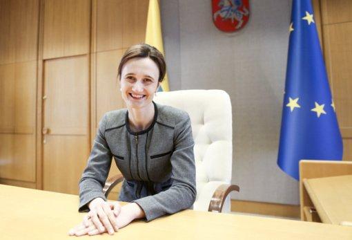 Seimo pirmininkės siūlymui tiesiogiai renkamą merą laikyti vykdomosios valdžios atstovu pritaria ne visos frakcijos