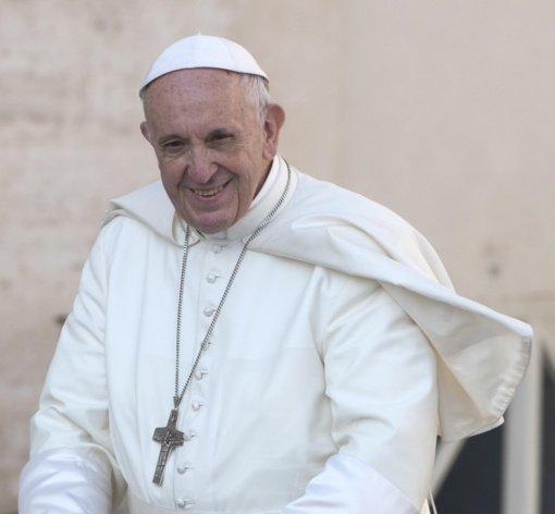 """Popiežius pradeda maldų dėl pandemijos pabaigos """"maratoną"""""""