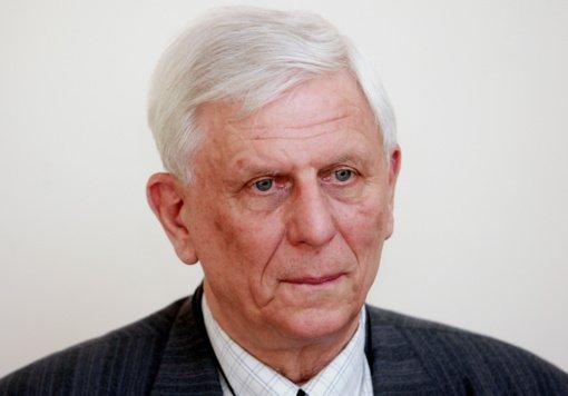 Mirė buvęs sveikatos apsaugos ministras, gydytojas radiologas Konstantinas Romualdas Dobrovolskis