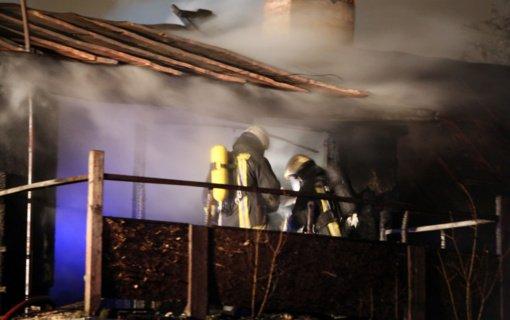 Vilniaus rajone atvira liepsna degė gyvenamasis namas