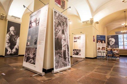 Vilniaus rotušėje atidaryta paroda prasideda Nobelio taikos premijos laureato A. Sacharovo 100-mečio renginių ciklas