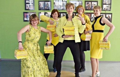 """""""Geltonoji banga"""" užliejo Panevėžį: grupę """"The Roop"""" palaiko ir bibliotekos, ir sporto klubai"""